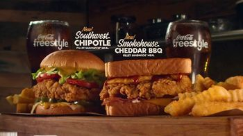 Zaxby's Fillet Sandwich Meals TV Spot, 'Taste Adventure' Featuring Rhys Darby - Thumbnail 6