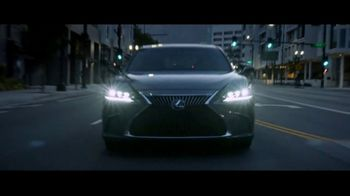 Lexus ES TV Spot, 'Why Bother' [T2] - Thumbnail 5