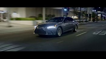Lexus ES TV Spot, 'Why Bother' [T2] - Thumbnail 6