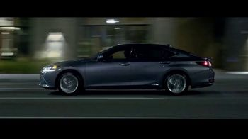 Lexus ES TV Spot, 'Why Bother' [T2] - Thumbnail 7