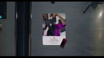 Shutterfly TV Spot, 'Anything Flys Holiday Cards: 50 Percent Off' - Thumbnail 4