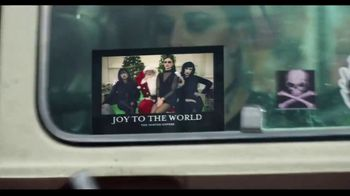 Shutterfly TV Spot, 'Anything Flys Holiday Cards: 50 Percent Off' - Thumbnail 8