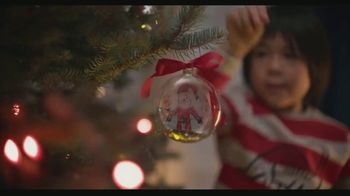 Shutterfly TV Spot, 'Anything Flys Holiday Family: 50 Percent Off' - Thumbnail 2