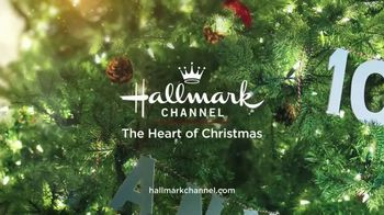 Hallmark Gold Crown Stores TV Spot, 'The Heart of Christmas' Featuring Larissa Wohl - Thumbnail 7