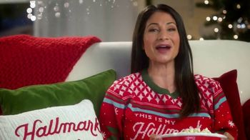 Hallmark Gold Crown Stores TV Spot, 'The Heart of Christmas' Featuring Larissa Wohl - Thumbnail 5