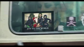 Shutterfly TV Spot, 'Anything Flys Holiday Cards' - Thumbnail 8