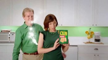 Keebler Club Crackers TV Spot, 'Prepare Less and Enjoy More' - Thumbnail 3