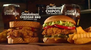Zaxby's Southwest Chipotle Fillet Sandwich TV Spot, 'Adventure' Featuring Rhys Darby - Thumbnail 7