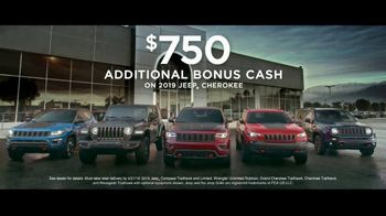 Jeep Memorial Day Sales Event TV Spot, 'This Is the Legend' Song by The Kills [T2] - Thumbnail 7
