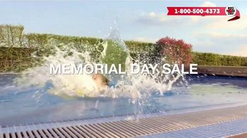 Macy's Memorial Day Sale TV Spot, 'Bold and Colorful Swimwear for Everyone' - Thumbnail 4