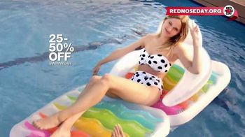 Macy's Memorial Day Sale TV Spot, 'Bold and Colorful Swimwear for Everyone' - Thumbnail 9