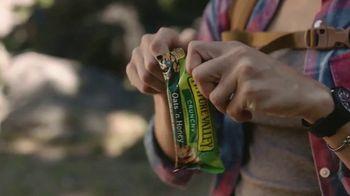 Nature Valley Oats & Honey Crunchy Granola Bars TV Spot, 'Satisfying Crunch' - Thumbnail 1