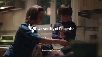 University of Phoenix TV Spot, 'Find Your Wings Family' - Thumbnail 10