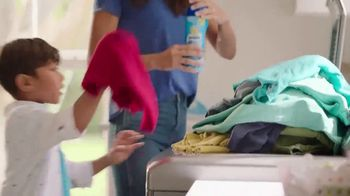 Snuggle Scent Shakes TV Spot, 'Aromas favoritos' [Spanish]