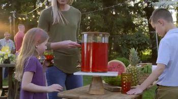 John Deere TV Spot, 'HGTV: Backyard Party Destination' - Thumbnail 8