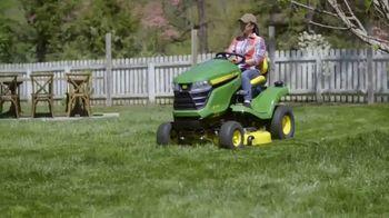 John Deere TV Spot, 'HGTV: Backyard Party Destination' - Thumbnail 4