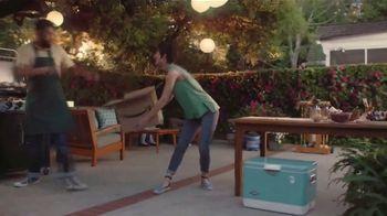 Amazon TV Spot, 'El verano hasta tu puerta: casa, jardín y más' canción por Ronnie Dove [Spanish] - Thumbnail 5