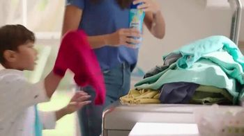 Snuggle Scent Shakes TV Spot, 'Favorite Fragrances'