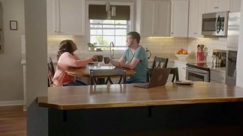Priceline.com TV Spot, 'HGTV: Patrick & Ariel' - Thumbnail 10