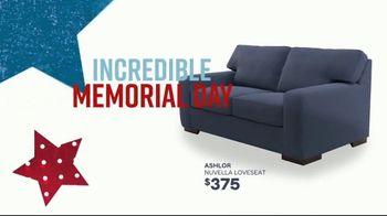 Ashley HomeStore Memorial Day Sale TV Spot, 'Hot Summer Deals' Song by Midnight Riot - Thumbnail 3
