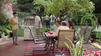 The Home Depot Memorial Day Savings TV Spot, 'Mulch, Grill and Trimmer' - Thumbnail 4