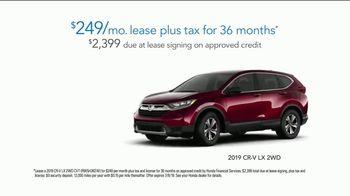 2019 Honda CR-V TV Spot, 'Random Acts of Helpfulness: Little League, Big Park' [T2] - Thumbnail 7