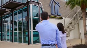Urban Living TV Spot, 'Full Service' - Thumbnail 2