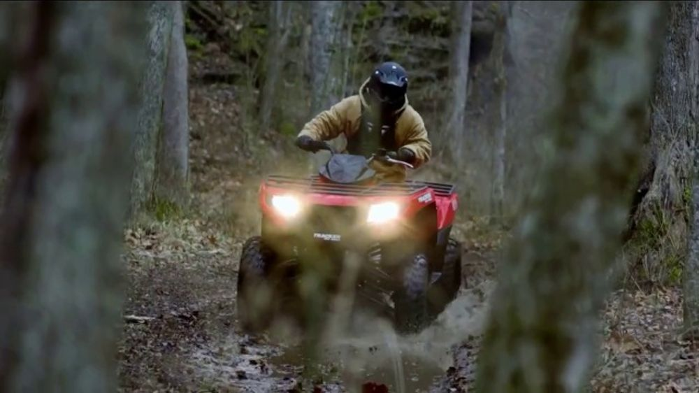 Tracker Off Road TV Commercial, 'Built for the Love of Country: Tracker 570'