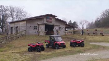 Tracker Off Road TV Spot, 'Built for the Love of Country: Tracker 570' - Thumbnail 5