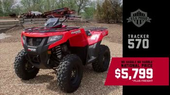 Tracker Off Road TV Spot, 'Built for the Love of Country: Tracker 570' - Thumbnail 8