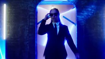 Listerine Ready! Tabs TV Spot, 'Men in Black: International: On the Go' - Thumbnail 9