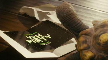 XFINITY App TV Spot, 'The Slowskys: Snail Mail' - Thumbnail 5