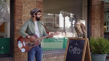 America's Best Contacts and Eyeglasses TV Spot, 'Street Performer: Military Appreciation Month'