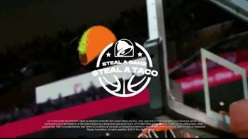 Taco Bell Steal a Game, Steal a Taco TV Spot, '2019 NBA Playoffs' - Thumbnail 9