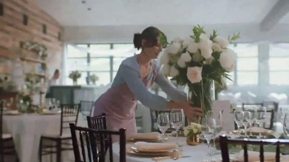 Aspercreme Dry Spray TV Commercial, 'Four Dozen Roses'