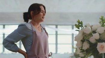 Aspercreme Dry Spray TV Spot, 'Four Dozen Roses' - Thumbnail 3