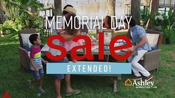 Ashley HomeStore Memorial Day Sale TV Spot, 'Extended: Patio Furniture' Song by Midnight Riot - Thumbnail 3