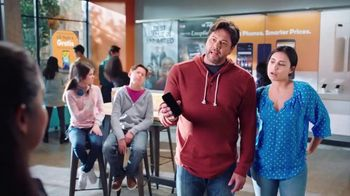 Boost Mobile TV Spot, 'Haz el switch a Boost Mobile y obtén 4 líneas por solo $100 dólares al mes.' [Spanish]