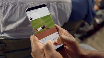 T-Mobile TV Spot, 'MLB: nos une' canción de The Temper Trap [Spanish] - Thumbnail 5