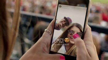 T-Mobile TV Spot, 'MLB: nos une' canción de The Temper Trap [Spanish] - Thumbnail 6