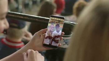 T-Mobile TV Spot, 'MLB: nos une' canción de The Temper Trap [Spanish] - Thumbnail 9