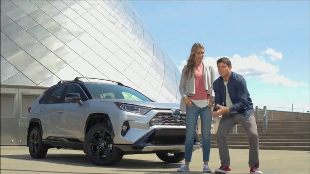 Subaru Forester Commercial Song >> 2019 Toyota RAV4 TV Commercial, 'Western Washington Road ...