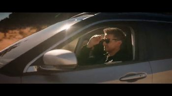 Jeep Summer of Jeep TV Spot, 'Diner' Featuring Jeremy Renner [T1] - Thumbnail 5
