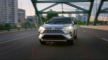 Toyota Summer Savings Event TV Spot, 'Get Up and Go' Song by The Sonic Hijackers [T2] - Thumbnail 3