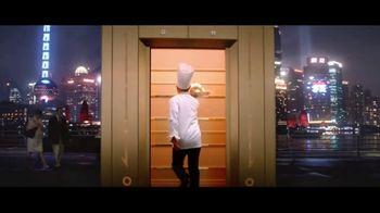 Encore Boston Harbor TV Spot, 'Red Carpet' Feat. Larry Bird, Magic Johnson, Song by Frank Sinatra - Thumbnail 3