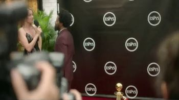 Hotels.com TV Spot, 'ESPYs' Featuring Bomani Jones - Thumbnail 1