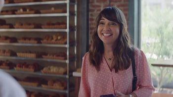 AT&T 5G Evolution TV Spot, 'The Best Cakes' - Thumbnail 2