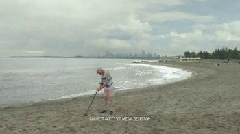DURACELL Optimum TV Spot, 'Beach x Bear' - Thumbnail 1