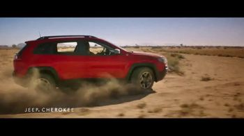 Jeep Summer of Jeep TV Spot, 'Seconds' Featuring Jeremy Renner [T1] - Thumbnail 3