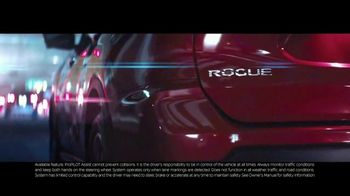 2019 Nissan Rogue TV Spot, 'The Moments That Matter Most' Song by Ladyhawke [T1] - Thumbnail 5